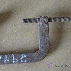 Antigüedades: GATO/SARGENTO DE HIERRO, 16,5 CMTS. EN BOCA.. Lote 21543438