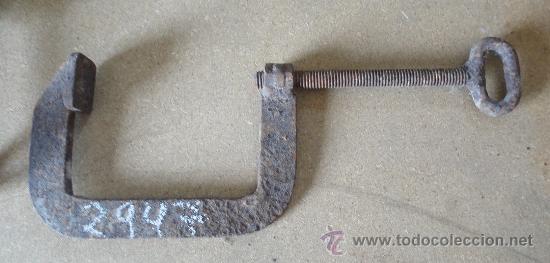 GATO/SARGENTO DE HIERRO, 16,5 CMTS. EN BOCA. (Antigüedades - Técnicas - Herramientas Profesionales - Mecánica)