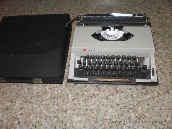 MAQUINA DE ESCRIBIR OLYMPIETTE CON SU TAPA ORIGINAL DE SERIE . AÑOS 60 (Antigüedades - Técnicas - Máquinas de Escribir Antiguas - Otras)