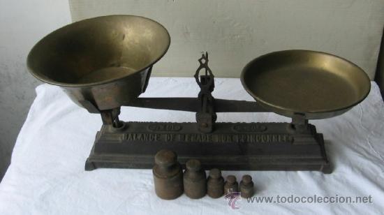 PESO CON PESAS CON PESAS DE HIERRO .. BALANCE DE MENAGE NON POINCONNEE (Antigüedades - Técnicas - Medidas de Peso Antiguas - Otras)
