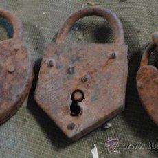 Antigüedades: LOTE DE 3 CANDADOS, SIN LLAVES. Lote 21936009