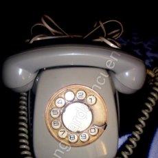 Teléfonos: TELÉFONO ANTIGUO DE BAQUELITA DE LOS AÑOS 60-70 CTNE COLOR GRIS PERLA. Lote 26808697