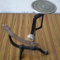 Antigüedades: PESA CARTAS. Lote 22778844