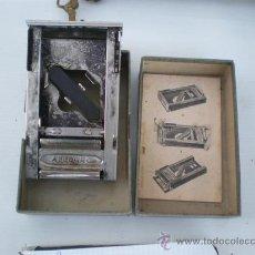 Antigüedades: AFILADOR DE CUCHILLAS DE AFEITAR. Lote 22782031