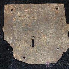Antigüedades: ANTIGUA CERRADURA DEL S.XVII. EN HIERRO. . Lote 23066968