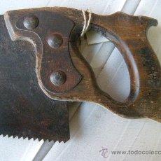 Antigüedades: ANTIGUO SERRUCHO DE CARPINTERO. Lote 23153977