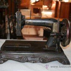 Antigüedades: MÁQUINA DE COSER DE 1800 REF.4750. Lote 23175991