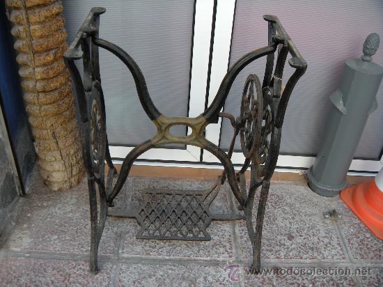 Antiguo pie máquina de coser singer - Vendido en Venta
