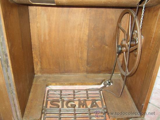 Antigüedades: MÁQUINA DE COSER SIGMA EN SU MUEBLE ORIGINAL MUY BONITO. AÑOS 50 - Foto 5 - 27458571
