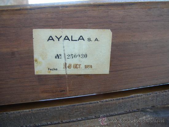 Antigüedades: MÁQUINA DE COSER SIGMA EN SU MUEBLE ORIGINAL MUY BONITO. AÑOS 50 - Foto 8 - 27458571
