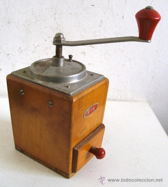 Antigüedades: molinillo de café marca kym (madera, 21cm de alto, base de 8x11cm aprox) - Foto 3 - 24317722
