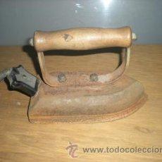 Antigüedades: PLANCHA DE HIERRO. Lote 26086608