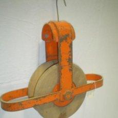 Antigüedades: POLEA DE MADERA Y HIERRO. Lote 24661788