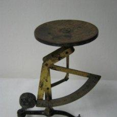 Antigüedades: ANTIGUO PESACARTAS ALEMAN. Lote 24883845