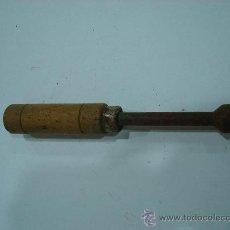 Antigüedades: ANTIGUO DESTORNILLADOR DE LLAVE ALLEN. TORNILLO ANCHO. Lote 26799076