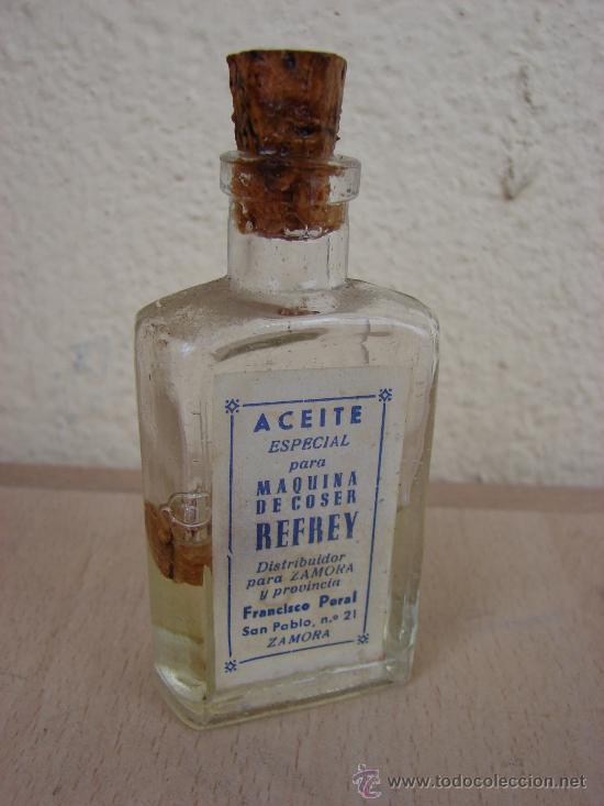 ANTIGUA BOTELLA DE ACEITE ESPECIAL PARA MAQUINA DE COSER REFREY (Antigüedades - Técnicas - Máquinas de Coser Antiguas - Complementos)