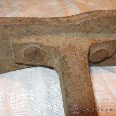 Antigüedades: ANTIGUA BIGORNIA DE FORJA. YUNQUE DE ZAPATERO,. Lote 26971341