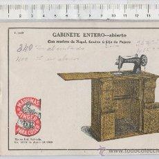 Antigüedades: CATALOGO DE MAQUINAS DE COSER SINGER PUBLICIDAD 1920 GABINETE 7 GAVETAS DE MANO PARA NIÑAS TALLER. Lote 25628480
