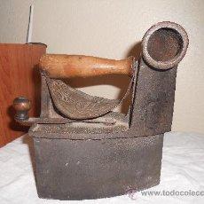Antigüedades: PRECIOSA PLANCHA ANTIGUA DE CARBON. Lote 27438497