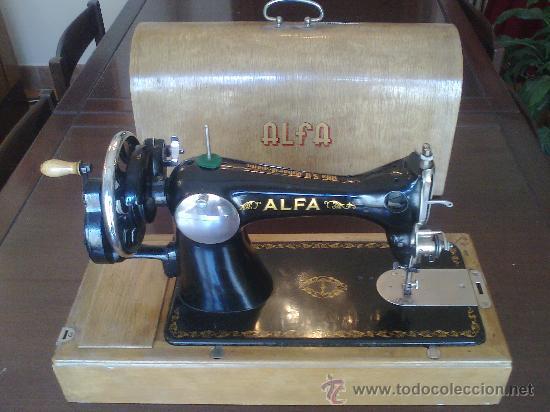 MAQUINA DE COSER ALFA (PORTATIL) (Antigüedades - Técnicas - Máquinas de Coser Antiguas - Alfa)
