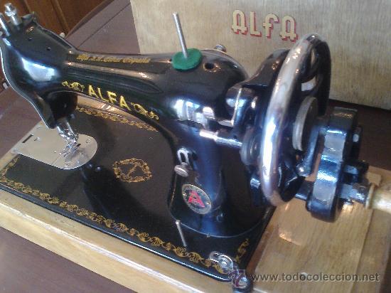 Antigüedades: Maquina de coser ALFA (portatil) - Foto 2 - 26842857