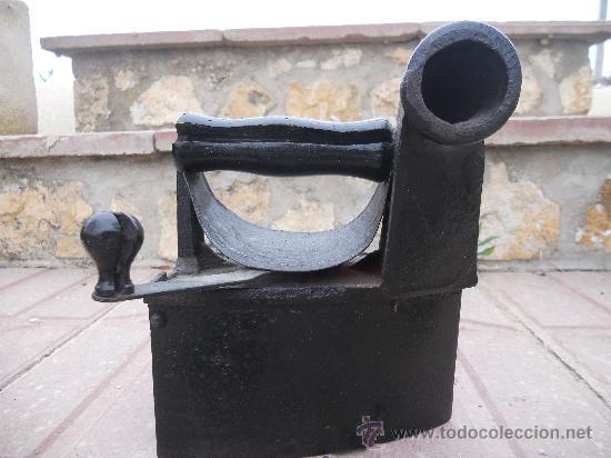 PRECIOSA PLANCHA ANTIGUA DE CARBON. (Antigüedades - Técnicas - Planchas Antiguas - Carbón)