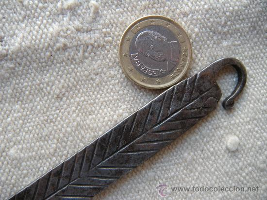 Antigüedades: COCINA. FORJA. ANTIGUO CAZO EN HIERRO FORJADO Y CINCELADO EN ESPIGA. - Foto 4 - 27296930