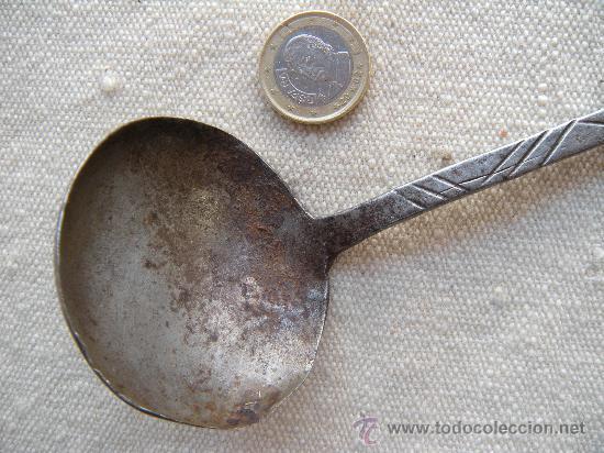 Antigüedades: COCINA. FORJA. ANTIGUO CAZO EN HIERRO FORJADO Y CINCELADO EN ESPIGA. - Foto 5 - 27296930