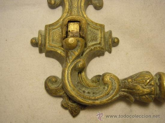 Antigüedades: TIRADOR DE BRONCE DE FINALES DEL XIX - Foto 3 - 27353201