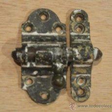 Antigüedades: CERRADURA DE CERROJO DE LATÓN MAZIZO A LIMPIAR. TAMAÑO GRANDE.. Lote 27665283