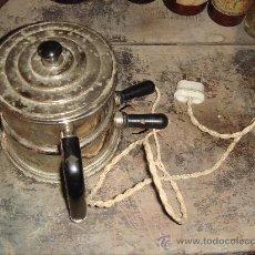 Antigüedades: ANTIGUA CAFETERA DE LOS AÑOS 40. Lote 27702869