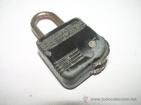 ANTIGUO CANDADO METALICO CON COMBINACION NUMERICA.....BRIGGS & RILEY. (Antigüedades - Técnicas - Cerrajería y Forja - Candados Antiguos)