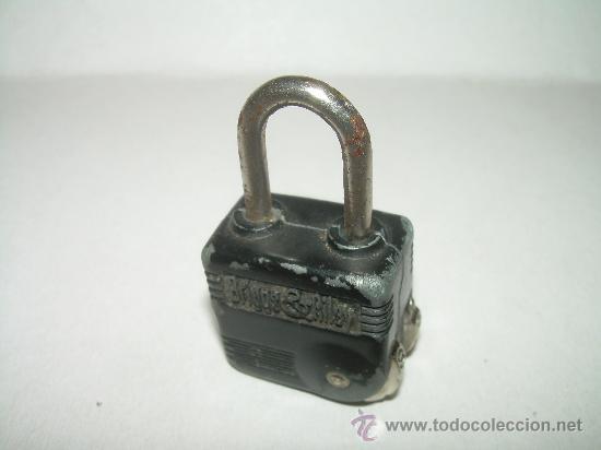 Antigüedades: ANTIGUO CANDADO METALICO CON COMBINACION NUMERICA.....BRIGGS & RILEY. - Foto 2 - 27769229