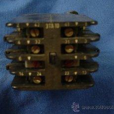 Antigüedades: - ANTIGUO CONTACTOR ELÉCTRICO DE BAQUELITA 3TA10 CON BOBINA A 220 V. Lote 147005838