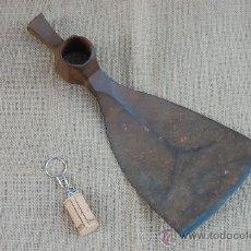 Antigüedades: IMPORTANTE AZUELA DE PIE DE CARPINTERÍA, CARPINTERO DE RIBERA. TAMAÑO XL.. Lote 28138253