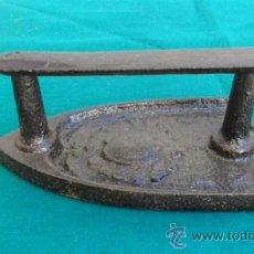 Antigüedades: PLANCHA DE HIERRO DE FORJA. Lote 28316020