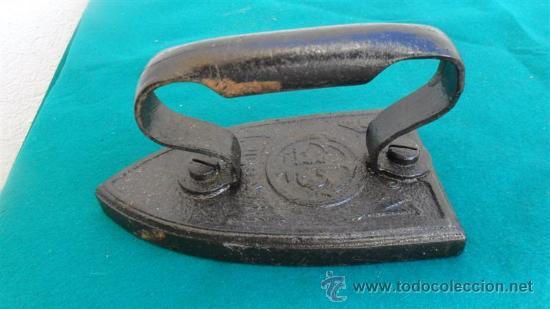 PLANCHA DE HIERRO ANTIOGUA (Antigüedades - Técnicas - Planchas Antiguas - Hierro)
