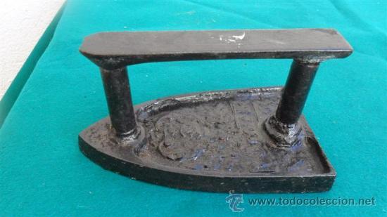 PLANCHA DE HIERRO (Antigüedades - Técnicas - Planchas Antiguas - Hierro)