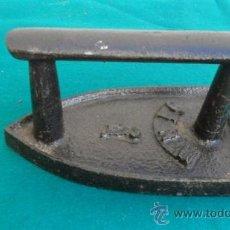 Antigüedades: PLANCHA DE HIERRO. Lote 28316123