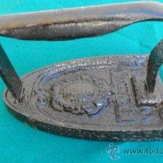 Antigüedades: PLANCHA DE HIERRO. Lote 28316129