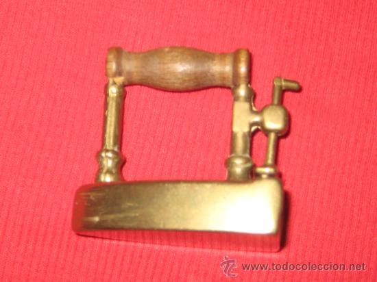 Antigüedades: PLANCHA DE BRONCE EN MINIATURA ( CAJA PASTILLAS ) - Foto 8 - 28355270