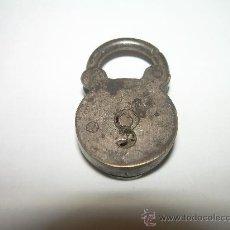 Antigüedades: ANTIGUO Y PEQUEÑO CANDADO...CON SECRETO.. Lote 28544909