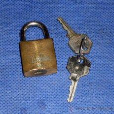 Antigüedades: CANDADO YALE 2 LLAVES. Lote 50723928
