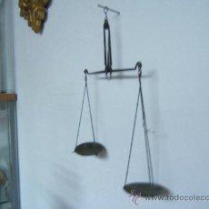 Antigüedades: PEQUEÑA BASCULA O ROMANA. Lote 28682477