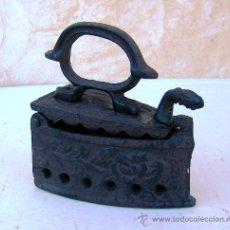 Antigüedades: PLANCHA CARBON DE HIERRO ,, FLOR,,, PLAN365. Lote 45871146