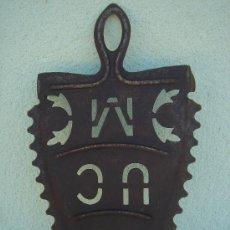 Antigüedades: BASE PARA PLANCHA ANTIGÜA, EN . MAGNÍFICO TRABAJO HERRERO. DIMENSIONES.- 24X13X3,5 CMS.. Lote 28796355