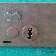 Antigüedades: GRAN CERRADURA. Lote 28832396