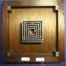 Antigüedades: IMPRENTA CUADRO COLLAGE TIPOGRAFICO - PIEZA UNICA - 15X15 CM. - REF. LP-20 -. Lote 28855050