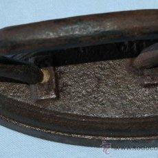 Antigüedades: PLANCHA ANTIGUA. Lote 28860937