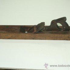 Antigüedades: CEPILLO CARPINTERO DE MADERA, PRINCIPIOS DEL S. XX. MEDIDAS 64 CMTROS.. Lote 28967582